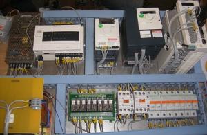 2m 300x195 - تابلو برق صنعتی